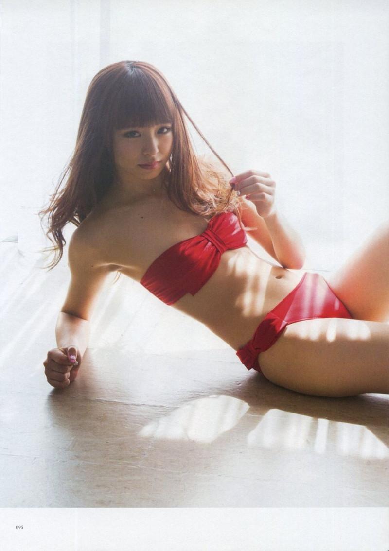 【佐藤麗奈グラビア画像】童顔系アイドルが披露する健康的でエッチなビキニ&下着姿 60