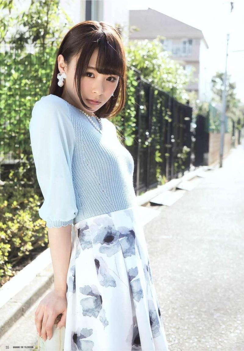 【佐藤麗奈グラビア画像】童顔系アイドルが披露する健康的でエッチなビキニ&下着姿 73