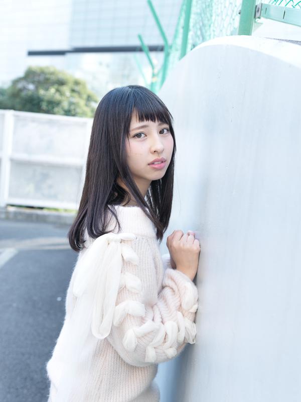 【沖口優奈エロ画像】アイドルグループでリーダーやってる谷間がエロい女の子 04