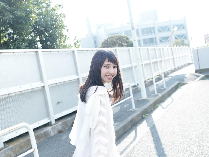 【沖口優奈エロ画像】アイドルグループでリーダーやってる谷間がエロい女の子 06