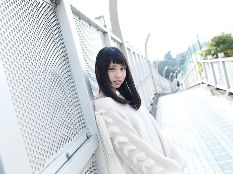 【沖口優奈エロ画像】アイドルグループでリーダーやってる谷間がエロい女の子 09