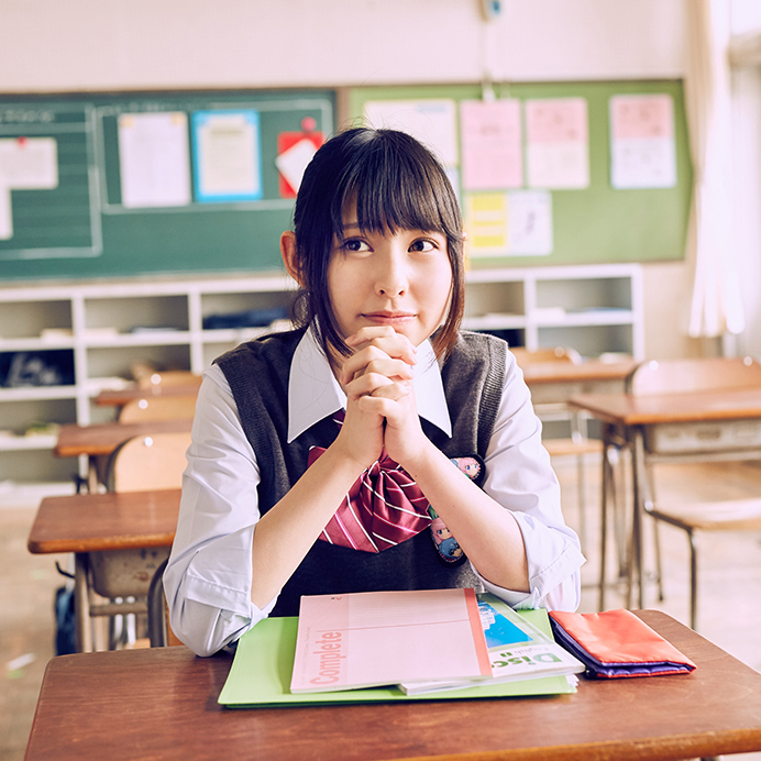 【沖口優奈エロ画像】アイドルグループでリーダーやってる谷間がエロい女の子 37