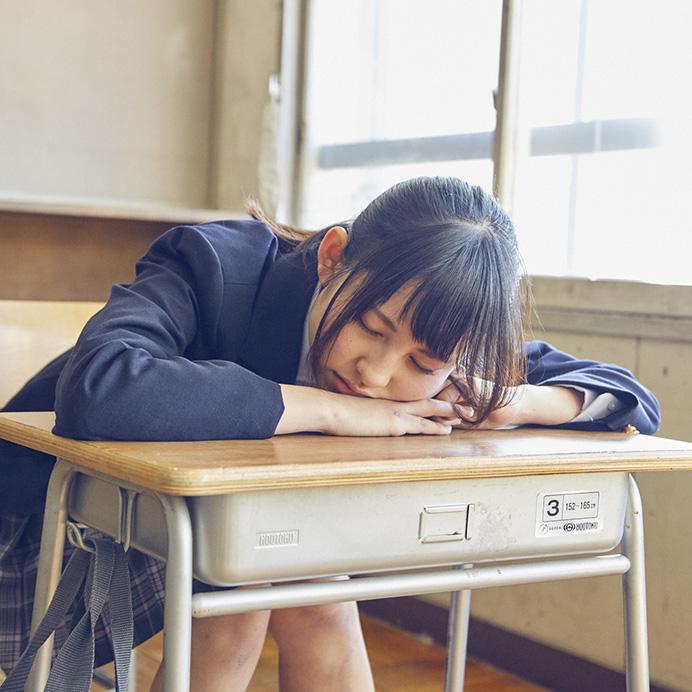 【沖口優奈エロ画像】アイドルグループでリーダーやってる谷間がエロい女の子 42