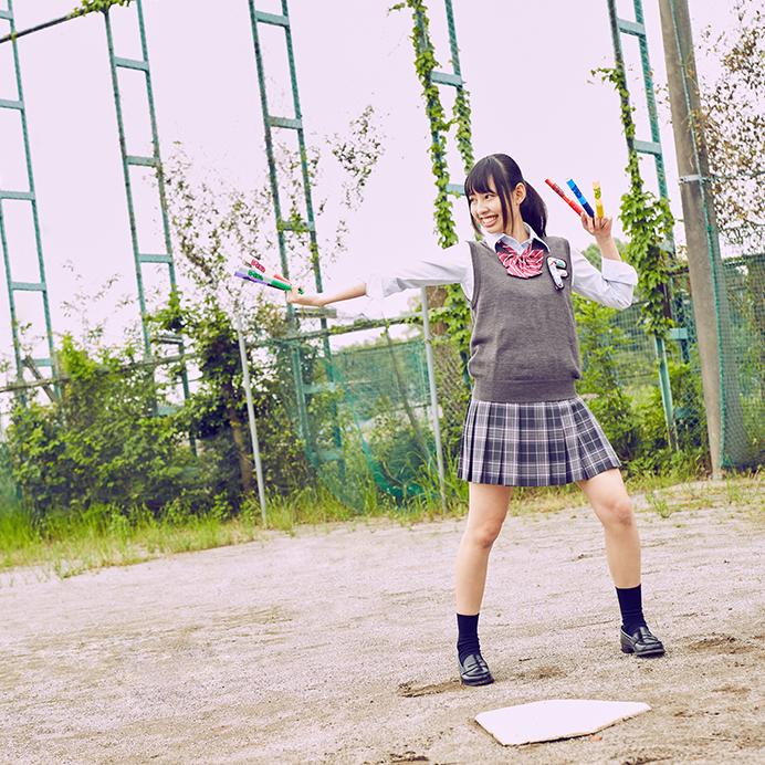 【沖口優奈エロ画像】アイドルグループでリーダーやってる谷間がエロい女の子 44