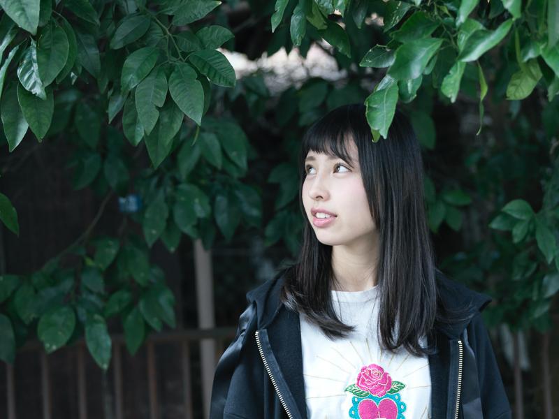 【沖口優奈エロ画像】アイドルグループでリーダーやってる谷間がエロい女の子 53