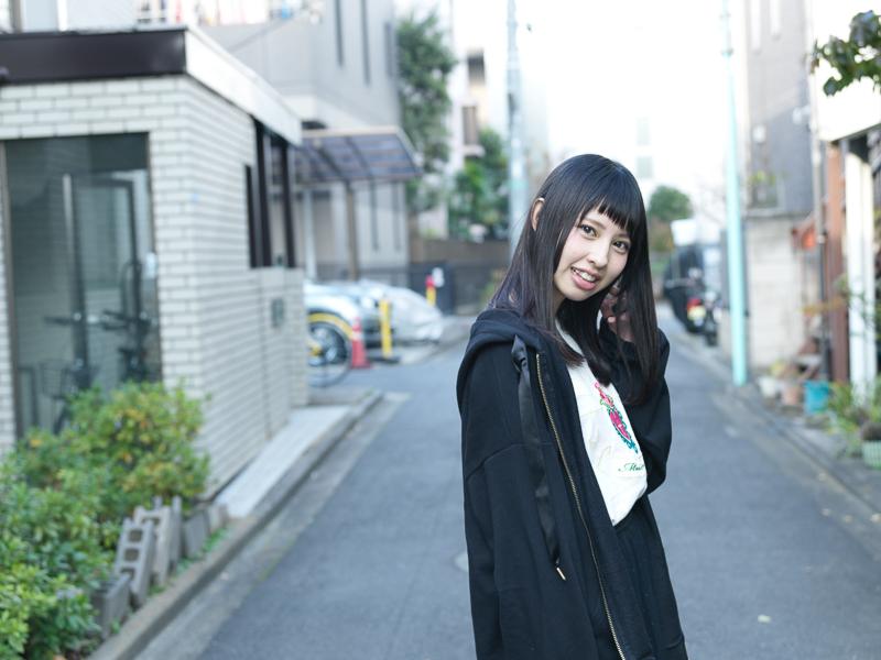 【沖口優奈エロ画像】アイドルグループでリーダーやってる谷間がエロい女の子 54