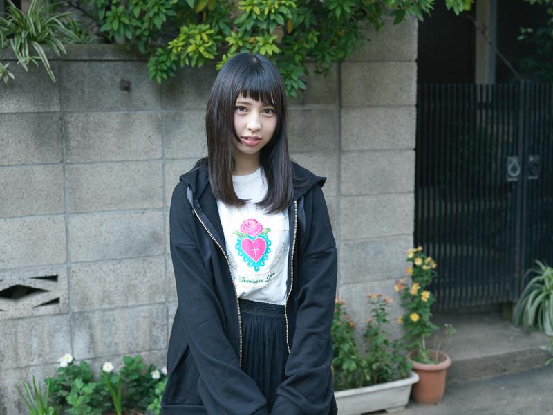 【沖口優奈エロ画像】アイドルグループでリーダーやってる谷間がエロい女の子 56