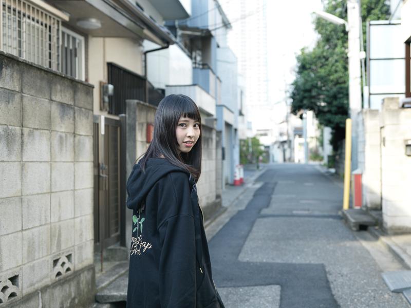 【沖口優奈エロ画像】アイドルグループでリーダーやってる谷間がエロい女の子 57