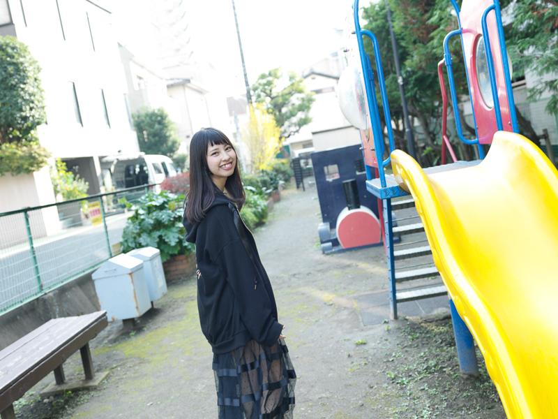 【沖口優奈エロ画像】アイドルグループでリーダーやってる谷間がエロい女の子 61