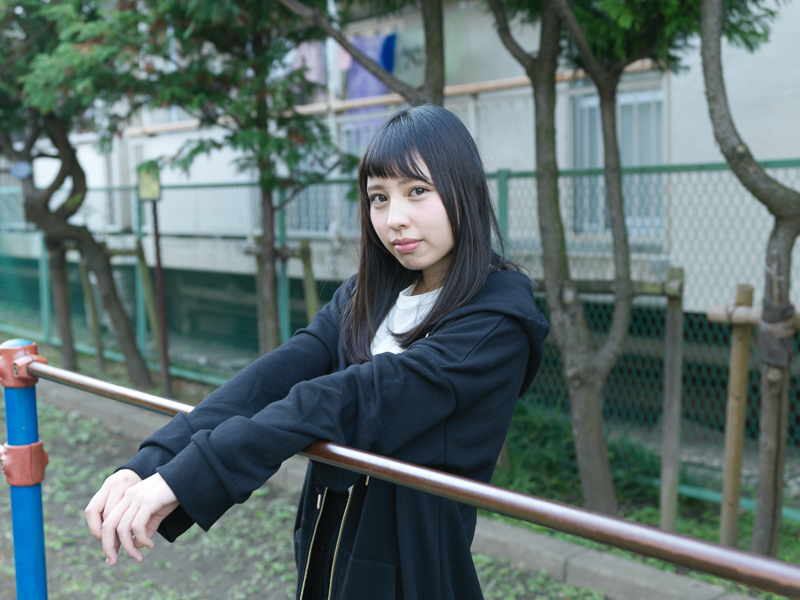 【沖口優奈エロ画像】アイドルグループでリーダーやってる谷間がエロい女の子 63