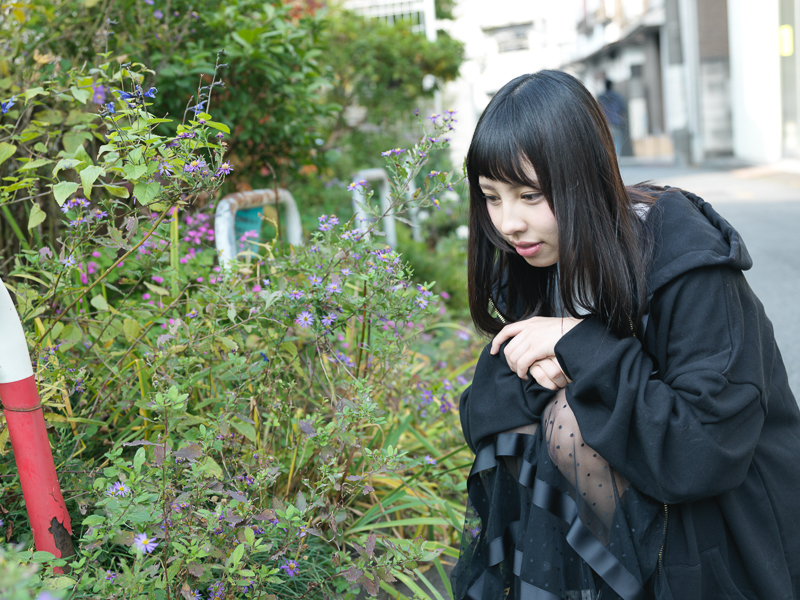 【沖口優奈エロ画像】アイドルグループでリーダーやってる谷間がエロい女の子 65