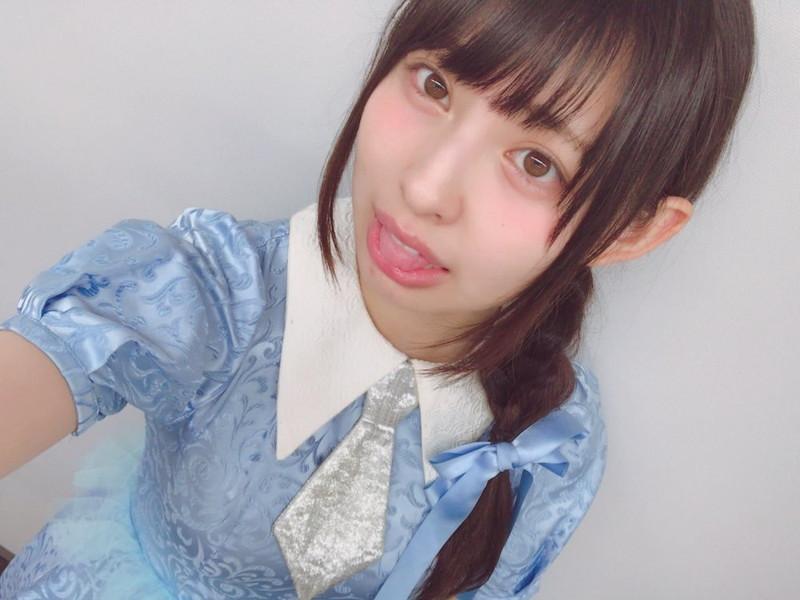 【沖口優奈エロ画像】アイドルグループでリーダーやってる谷間がエロい女の子 67