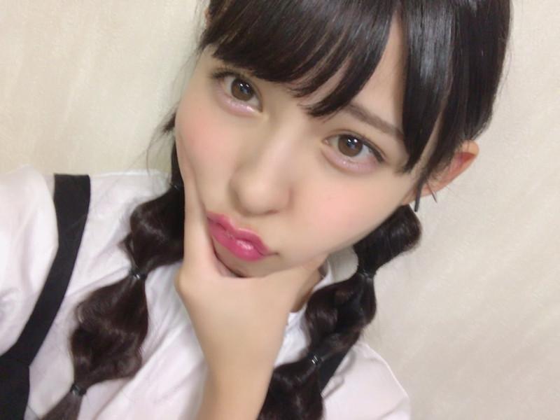 【沖口優奈エロ画像】アイドルグループでリーダーやってる谷間がエロい女の子 72