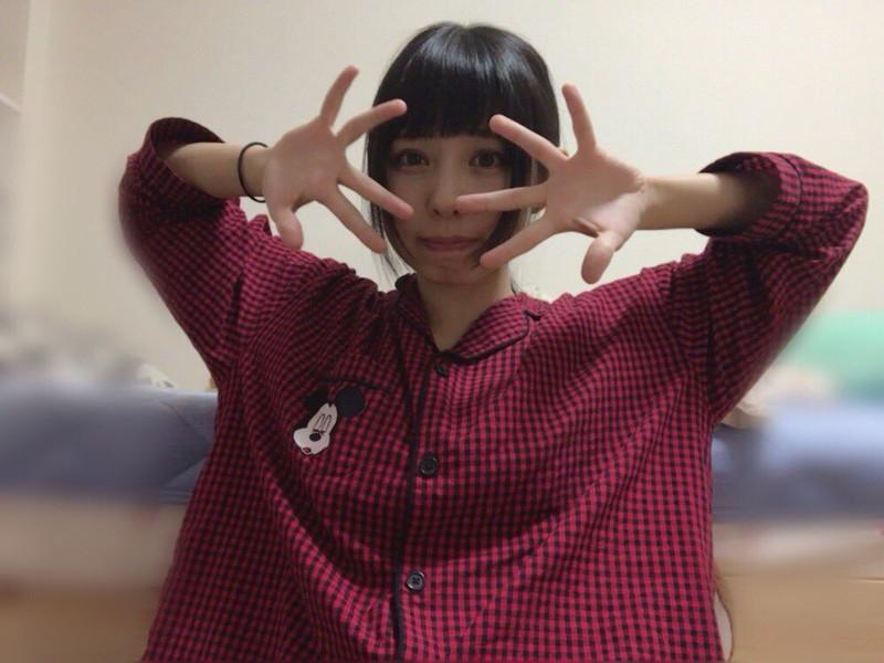 【沖口優奈エロ画像】アイドルグループでリーダーやってる谷間がエロい女の子 74
