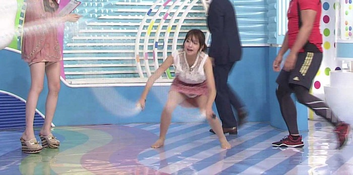 【セクシー女優ハプニング画像】もはや放送事故が当たり前という感じのエロ放送w 04
