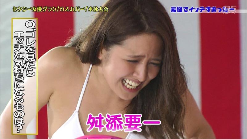 【セクシー女優ハプニング画像】もはや放送事故が当たり前という感じのエロ放送w 42