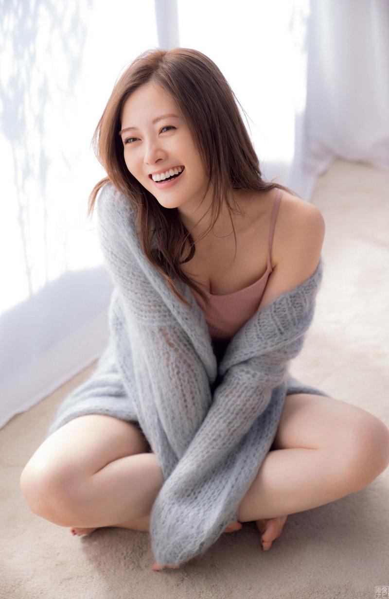 【白石麻衣グラビア画像】ファッションモデルならではの綺麗でエロい下着姿でチンコ勃ったw 47