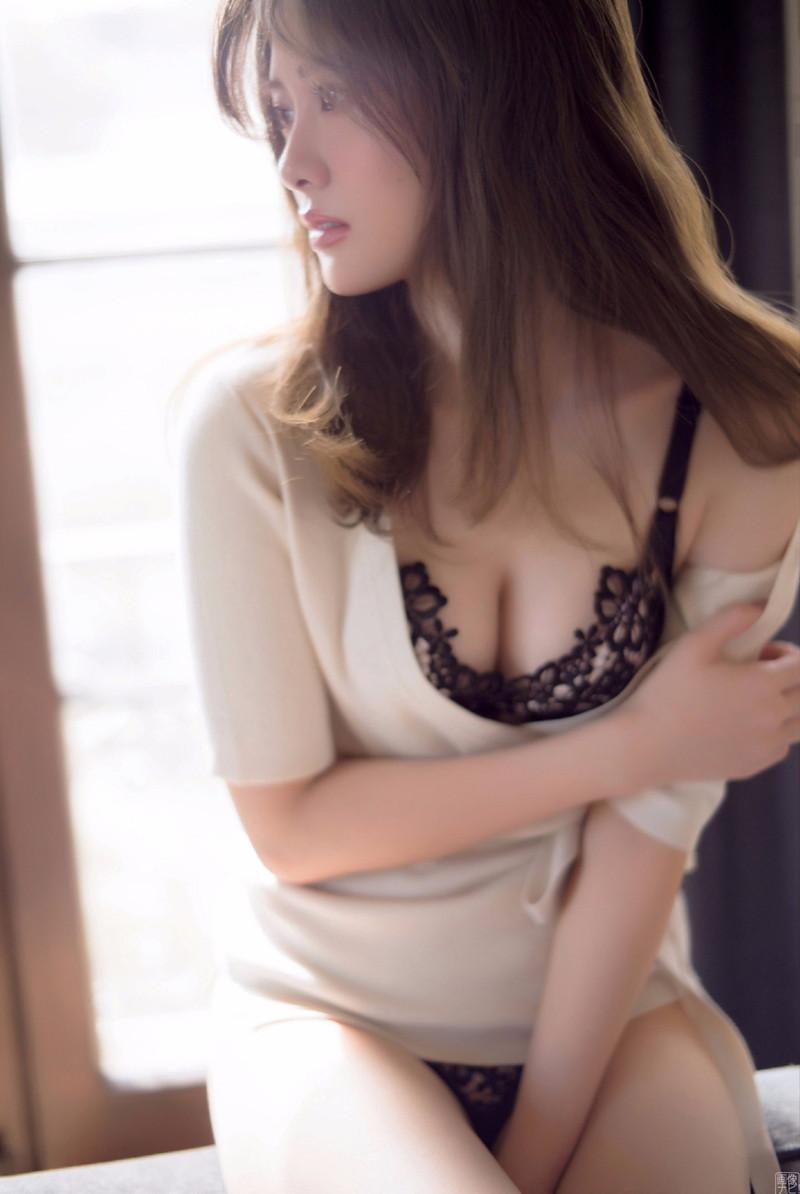 【白石麻衣グラビア画像】ファッションモデルならではの綺麗でエロい下着姿でチンコ勃ったw 70