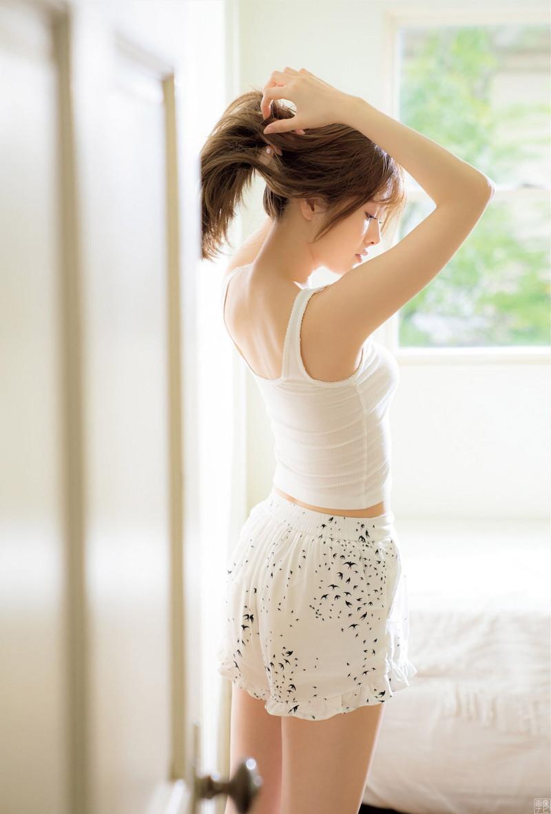 【白石麻衣グラビア画像】ファッションモデルならではの綺麗でエロい下着姿でチンコ勃ったw 72