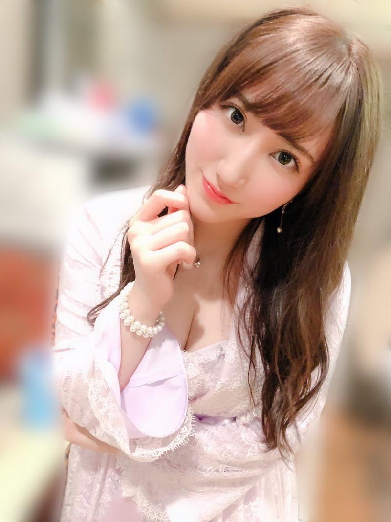 【西澤瑠莉奈エロ画像】20歳の節目でNMB48からの卒業を決めたって見切りが早いなw 09