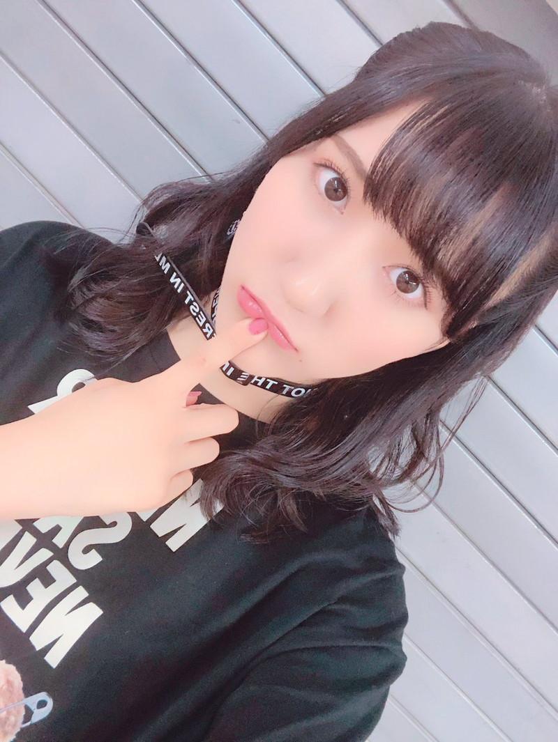 【西澤瑠莉奈エロ画像】20歳の節目でNMB48からの卒業を決めたって見切りが早いなw 21