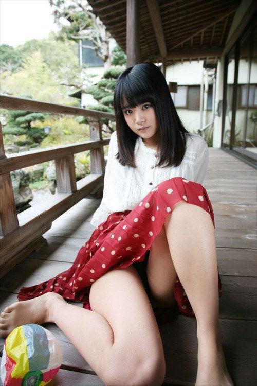 【東江ひかりグラビア画像】童顔アイドルにこんなエロい格好させちゃってチンコ勃つわwwww 12
