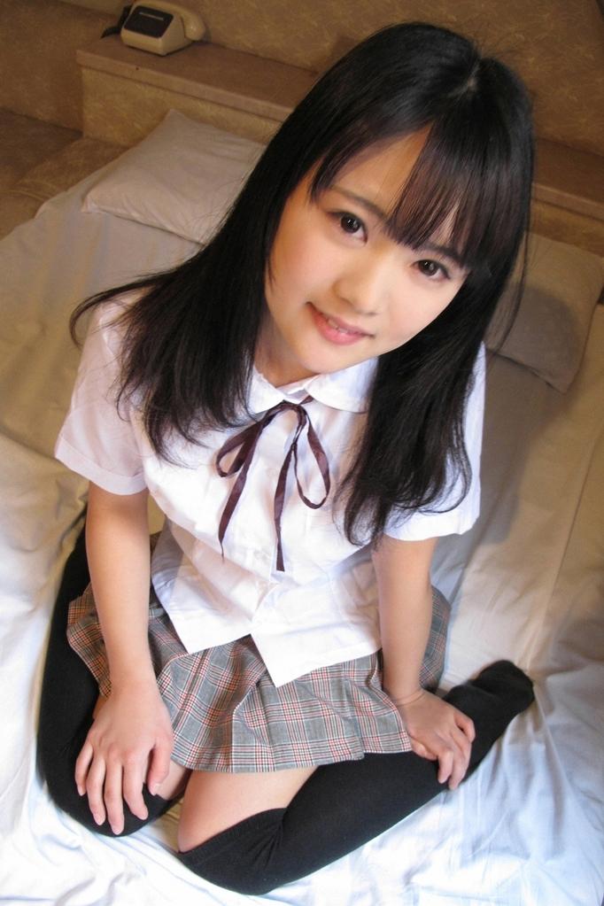 【東江ひかりグラビア画像】童顔アイドルにこんなエロい格好させちゃってチンコ勃つわwwww 13