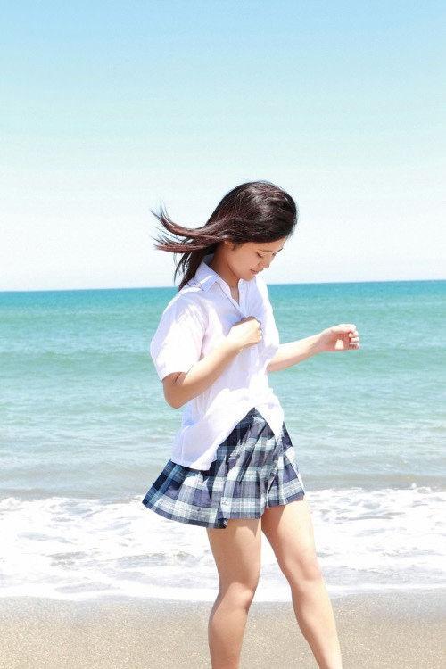 【東江ひかりグラビア画像】童顔アイドルにこんなエロい格好させちゃってチンコ勃つわwwww 20