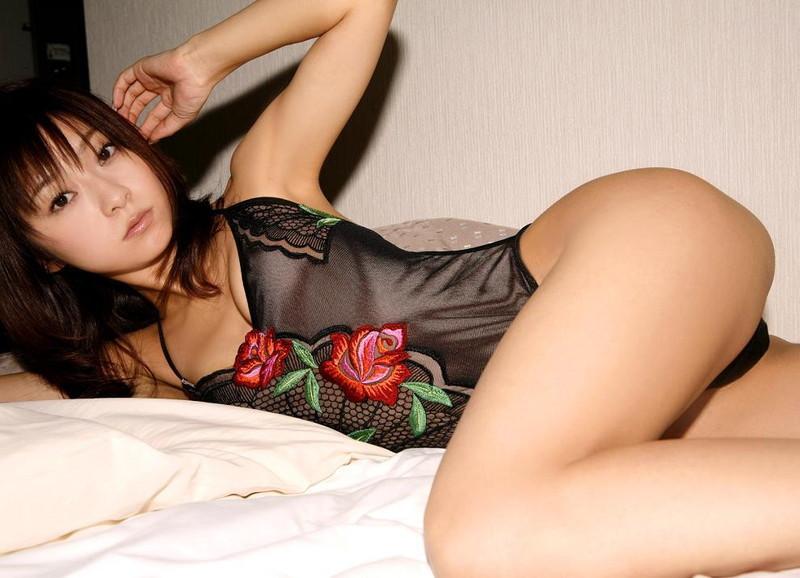 【折原みかグラビア画像】熟女タレントが「木漏れ日の妖精」と呼ばれた時代のエロ写真!? 90