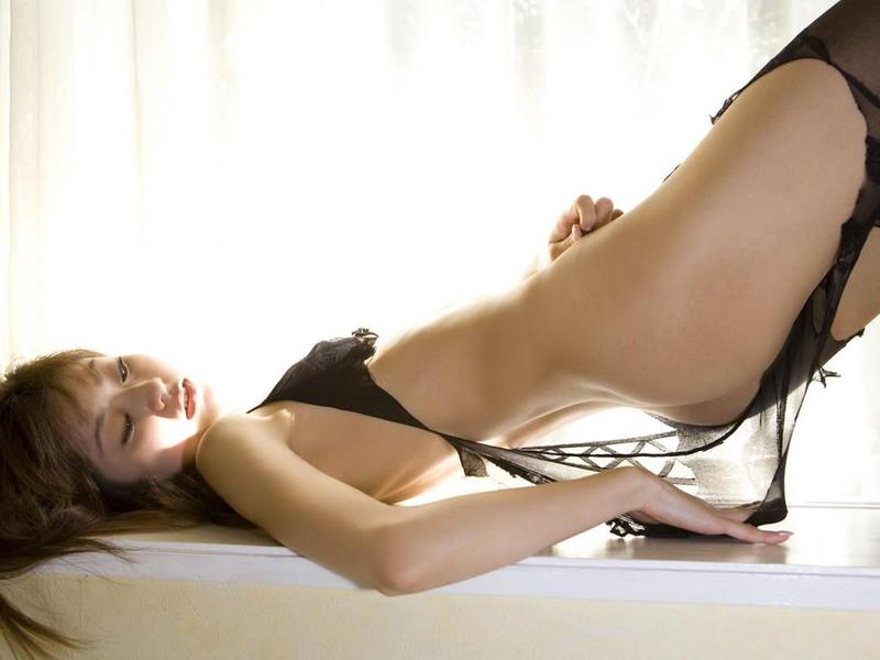 【折原みかグラビア画像】熟女タレントが「木漏れ日の妖精」と呼ばれた時代のエロ写真!? 99