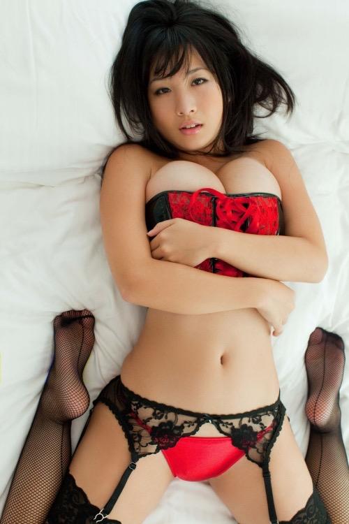 【桐山瑠衣グラビア画像】ド迫力Jカップダイナマイトボディが最凶にエロい美女 25