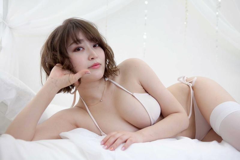 【悠木ゆうかグラビア画像】綺麗なEカップ巨乳をSNSで見せつけてファン勃起しまくりwwww