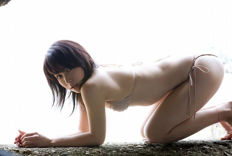 【石原あつ美グラビア画像】可愛さの中にオトナな雰囲気が見え隠れするセクシーグラドル 72