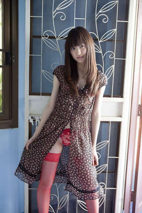 【船岡咲グラビア画像】国民的美少女出身女優がくっそエロいDVDを発売したってマ? 49