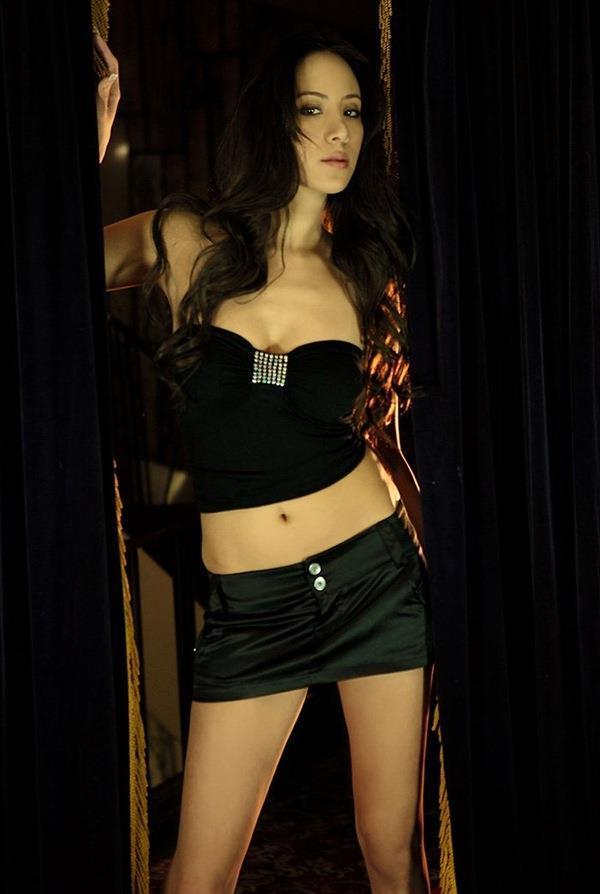 【道端姉妹エロ画像】ハーフ美人が3姉妹揃ってファッションモデルのエリートって凄いなw 30