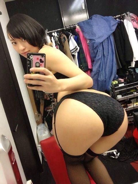 【グラドルお尻エロ画像】巨尻や美尻とヒップラインがエロいグラビア美女 56