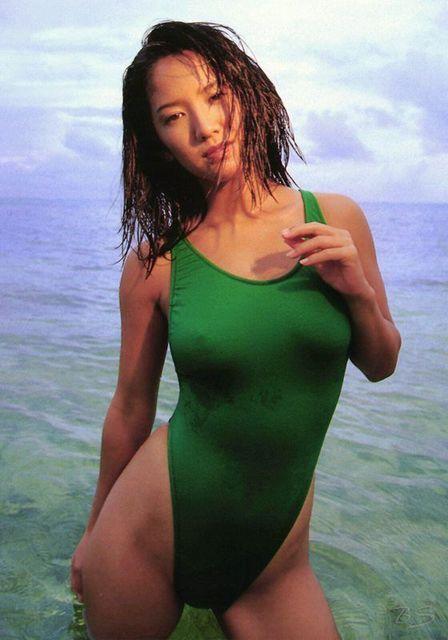【坂木優子グラビア画像】FカップボディでハイレグTバックと男心をくすぐられるねぇ! 09
