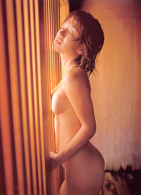 【坂木優子グラビア画像】FカップボディでハイレグTバックと男心をくすぐられるねぇ! 35