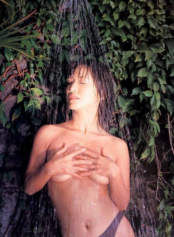 【坂木優子グラビア画像】FカップボディでハイレグTバックと男心をくすぐられるねぇ! 43
