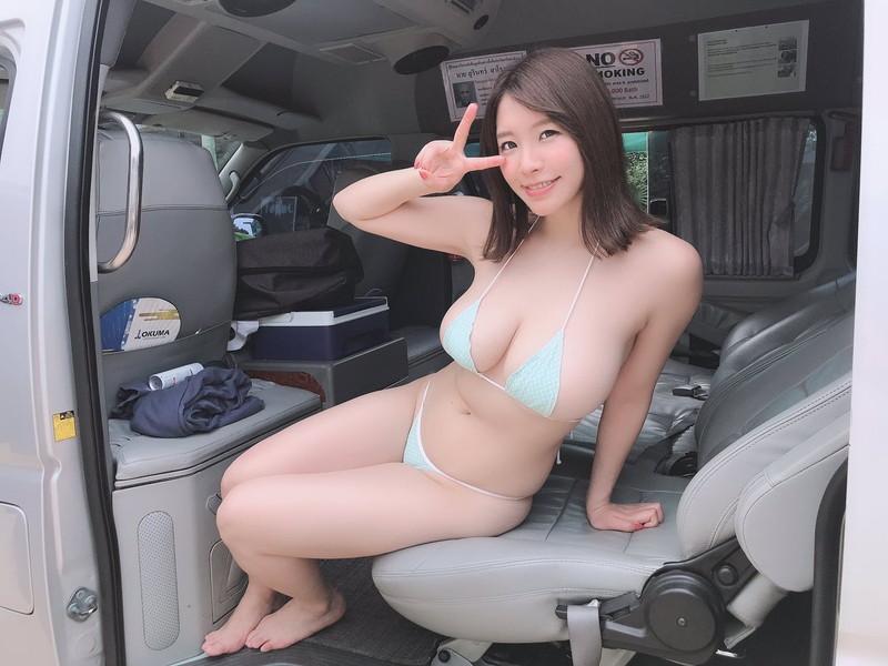 【夏来唯グラビア画像】爆乳や巨尻を大人っぽい衣装でチラ見せして誘ってくる愛人系美女 68