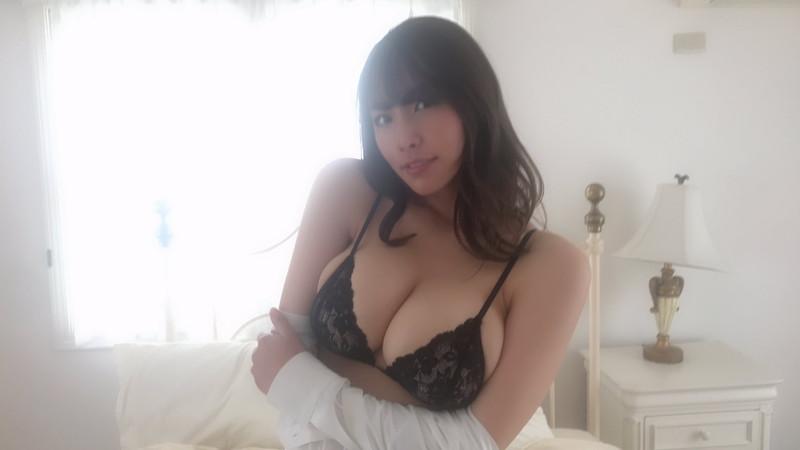 【夏来唯グラビア画像】爆乳や巨尻を大人っぽい衣装でチラ見せして誘ってくる愛人系美女 79