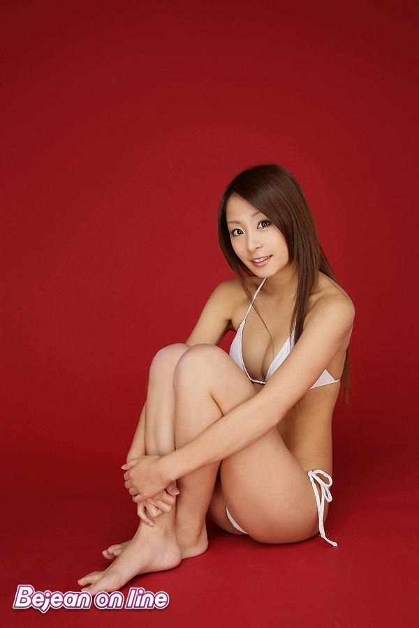 【相川友希グラビア画像】美脚でチンコを踏んで欲しいレースクイーンのスレンダーエロボディ 15