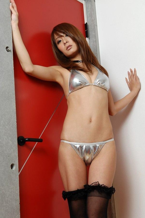 【相川友希グラビア画像】美脚でチンコを踏んで欲しいレースクイーンのスレンダーエロボディ 16
