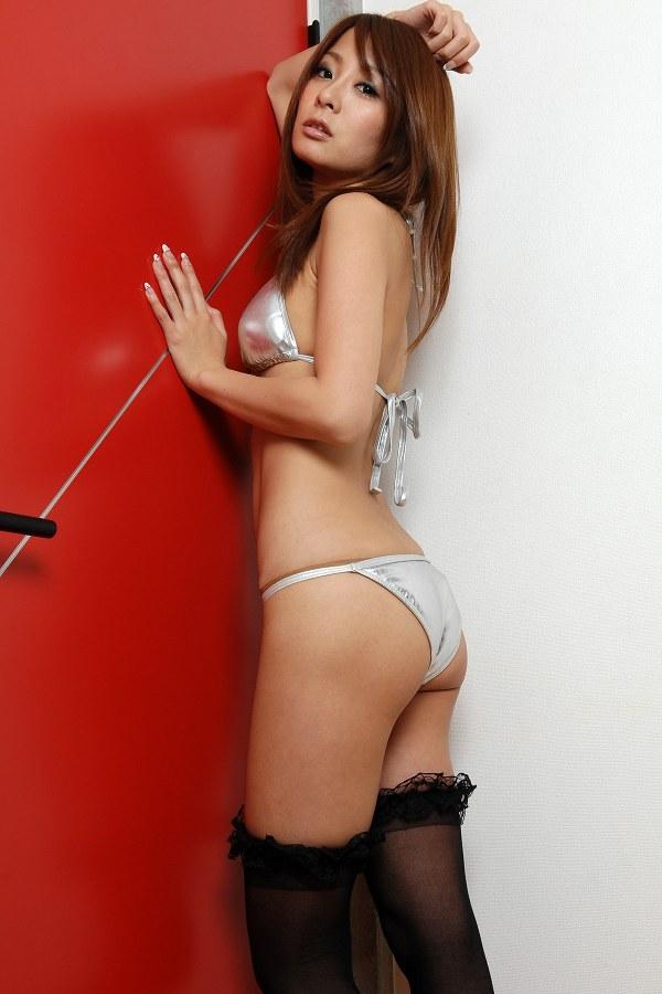 【相川友希グラビア画像】美脚でチンコを踏んで欲しいレースクイーンのスレンダーエロボディ 17