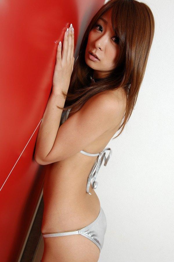 【相川友希グラビア画像】美脚でチンコを踏んで欲しいレースクイーンのスレンダーエロボディ 18