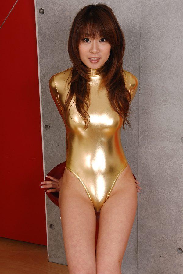 【相川友希グラビア画像】美脚でチンコを踏んで欲しいレースクイーンのスレンダーエロボディ 30