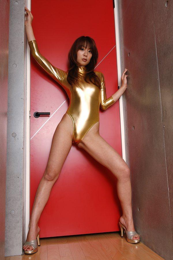 【相川友希グラビア画像】美脚でチンコを踏んで欲しいレースクイーンのスレンダーエロボディ 32