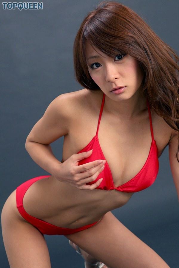 【相川友希グラビア画像】美脚でチンコを踏んで欲しいレースクイーンのスレンダーエロボディ 42