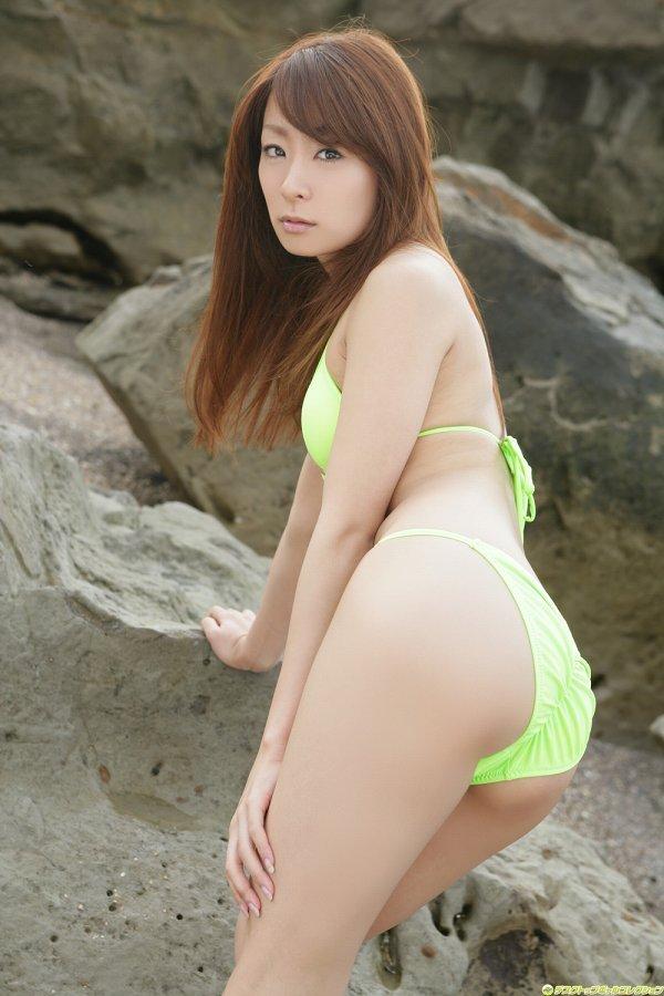 【相川友希グラビア画像】美脚でチンコを踏んで欲しいレースクイーンのスレンダーエロボディ 55