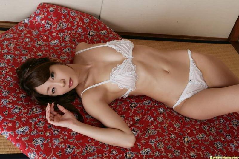 【相川友希グラビア画像】美脚でチンコを踏んで欲しいレースクイーンのスレンダーエロボディ 75